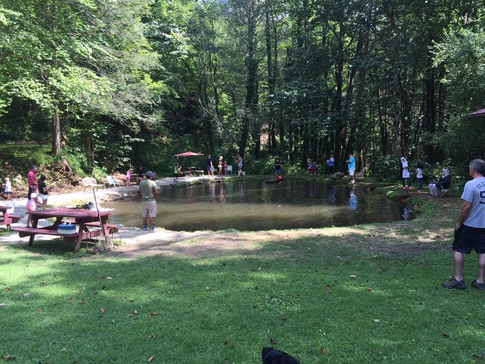 Buck creek trout farm for Trout farm fishing